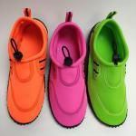 China ISO14001 Flexible Water Aqua Shoes Lightweight With Neon Color for sale