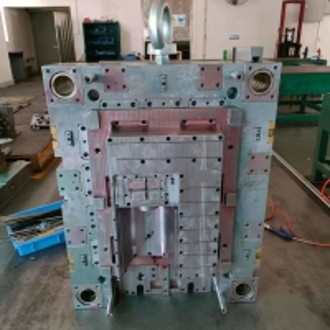 Best Custom 300000 Shots P20H Plastic Injection Mold Tooling 0.005mm Tolerance wholesale