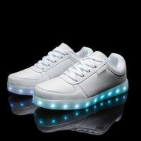 Best 2016 wholesales&dropshipping LED shoes light up flashing hot top glow sneakers for men wholesale